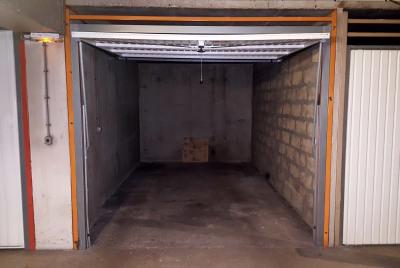 Box ferme pour véhicule