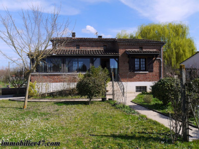 Maison de pays ste livrade sur lot - 4 pièces - 103 m²