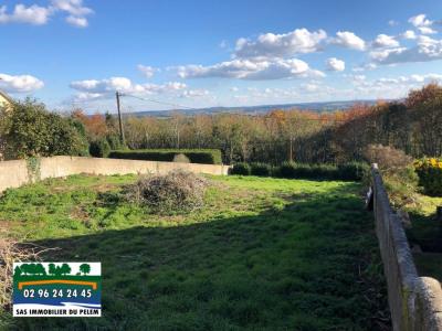 Terrain constructible 670 m² - Saint Nicolas du Pelem