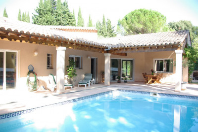 Belle villa 4 chambres avec piscine Vauvert