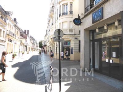 Auxerre - 330 m²