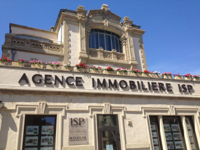 Immeuble Aix En Provence 6 pièce (s) 290 m²