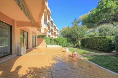 Appartement Villeneuve Loubet 4 pièces 122 m² front de m