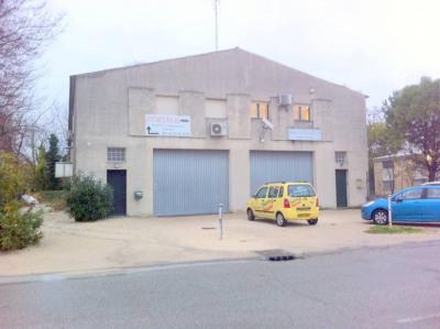 Entrepôt et bureaux à vendre zi courtine