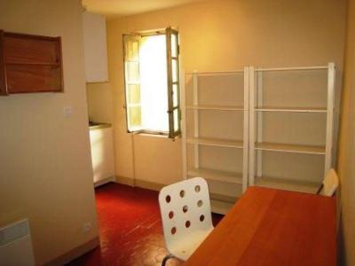 A LOUER APPARTEMENT MARSEILLE, 6ème Notre Dame du Mont/Cours Julien, Joli Type 1/2 meublé de 24 m² situé  ...