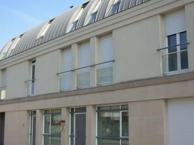 Appartement Saint-quentin - 1 Pièce (s) - 33 M²