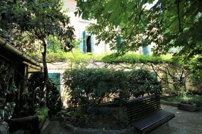 Vente Viager - Maison Meyrargues 6 pièce (s) 180 m²