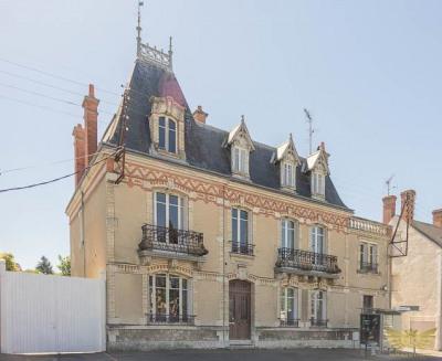 Jolie Maison Bourgeoise JARGEAU - 15 pièce (s) - 304 m²