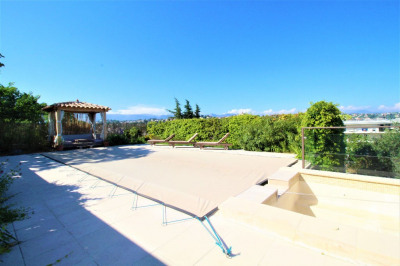 House 8 Rooms 220 m² in Cagnes Sur Mer