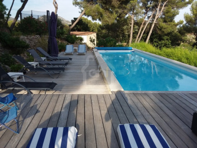 Villa T6 de 200 m² SUR 3500m² de terrain Marseille 11ème Tr