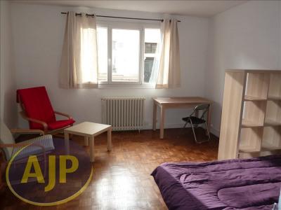 T1 meublé- Rue d'Antrain - 37 m²
