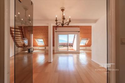 Duplex avec sa terrasse tropézienne