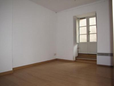 T2 saintes - 2 pièce (s) - 43 m²