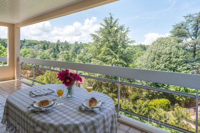 Charbonnières-les-Bains - 1184 sqm duplex apartment - 6 bedrooms