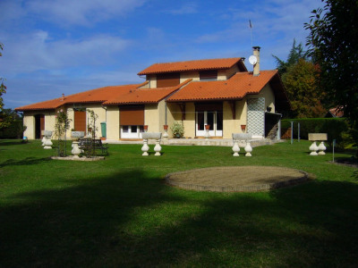 Villa Nogaro 6 pièce (s)