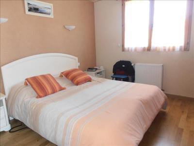 Maison sur sous-sol CRUGUEL - 6 pièce (s) - 130 m²