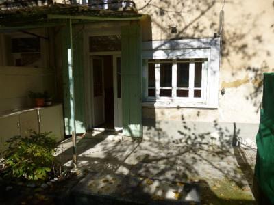 Maison de 80 m² avec cours