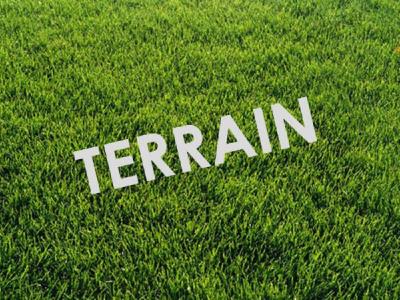 Terrain constructible (non viabilisé) clos 655m² exposé plein su