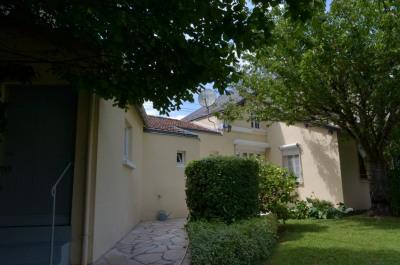 Maison Fontenay Le Comte 4 pièce (s) 97.53 m²