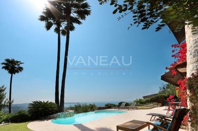 Villa en pierres, vue panoramique mer, piscine à débordement
