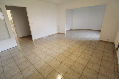 Maurepas location appartement 5 pièces 99 m²