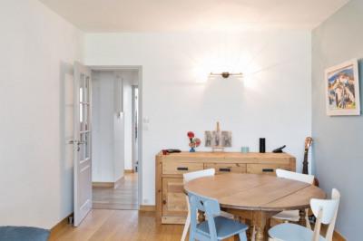 Appartement 3 pièces de 57 m2 RDC surélevé
