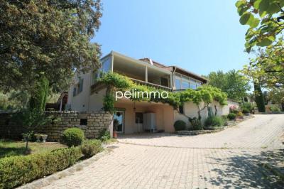 Maison Pelissanne 5 pièce (s) 194 m²