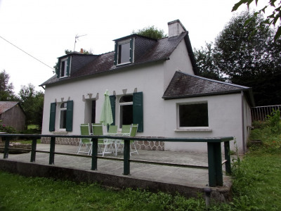 Sale house / villa Gouezec