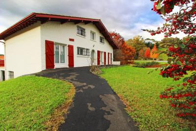 Hasparren (64) maison + appartement avec jardin
