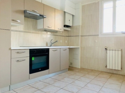 T3 apartment with shared parking on the ground floor in Perp