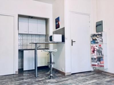 Studio meublé et rénové