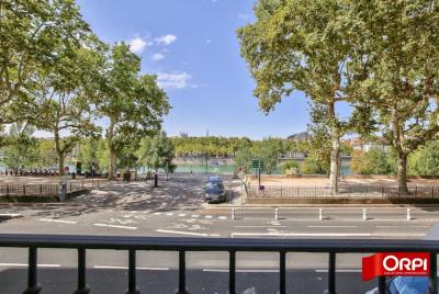 Entresol quai du Rhône lyon 6 T4 117 m²