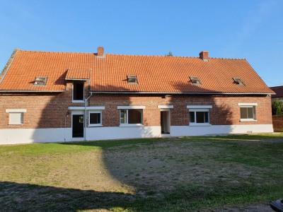 Corps de ferme sur 3793 m²
