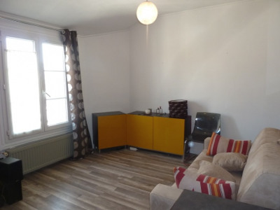 Studio 24m² meublé avec goût Courbevoie