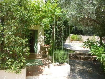 Maison Nimes 8 pièce (s) 210 m²