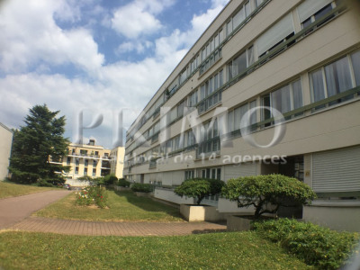 Parking extérieur chatenay malabry - 13 m²