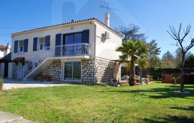 Raphele: Villa T5 120 m² avec jardin