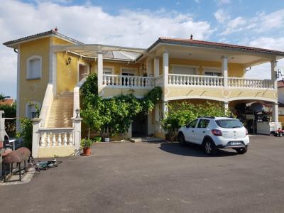 Villa t7 de 260 m² avec