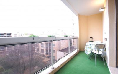 Appartement traversant T2 avec balcons
