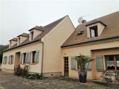 Maison 11 pièce (s) 245 m²