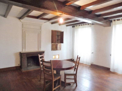 查伦泰式房屋 9 间房间 Entre Cognac et Saintes