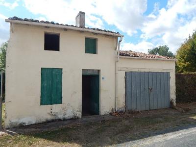 Grezac > maison 2 pièces