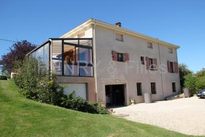 Maison/villa 4 pièces + studio
