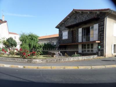 Maison sur Solignac idéal artisan/ commerçant /chambres d'ho