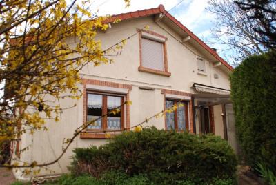Maison 4 pièces sur 401 m² de terrain