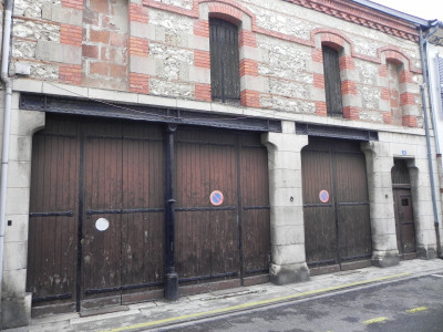 Agen centre - immeuble avec garage - cave - plateau à rénové