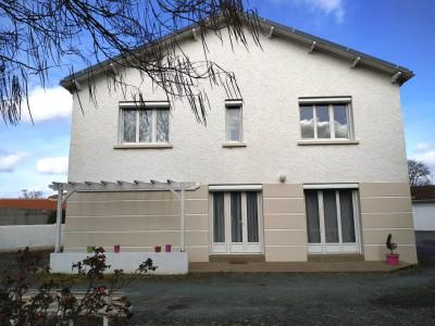Maison Vieillevigne 6 pièces 146 m²