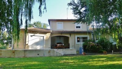 Villa d'exception 255m² sur un terrain de 4200m2-Rochefort du G