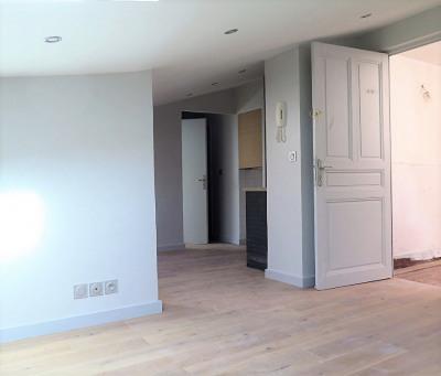 Busca - Beau T2 de 45 m² - Copro Ancienne