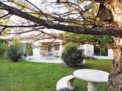 Maison, 196 m² - Limitrophe de Cognac (99000)